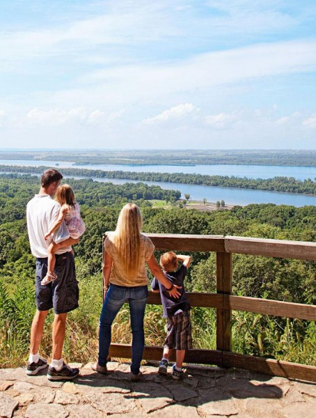 magazine points out the best midwest getaways for families